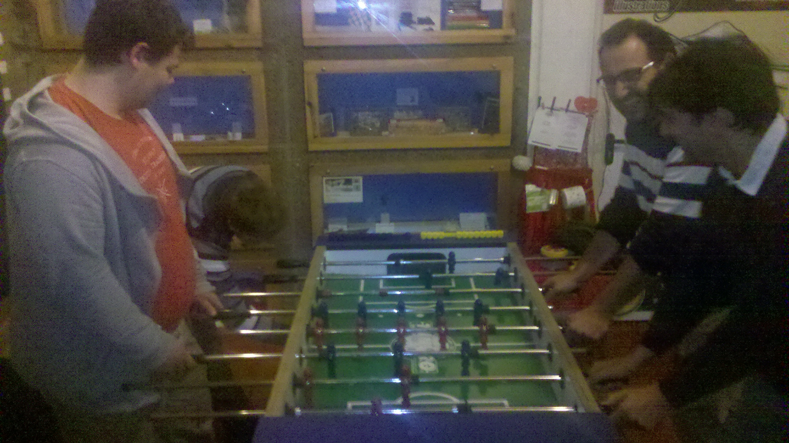 Saturday evening @ Unperfekthaus: Denmark (fleten.net) vs. Spain (Qindel Group) table football match
